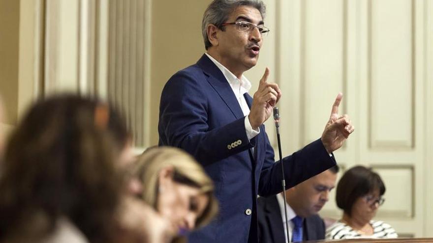 El diputado del Grupo Parlamentario de Nueva Canarias Román Rodríguez