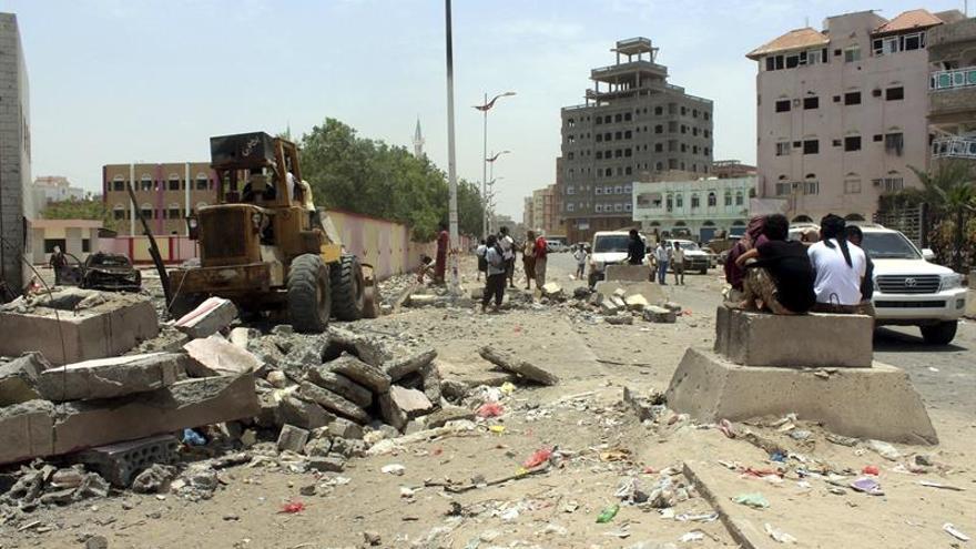 6 policías muertos y 17 heridos en un ataque suicida en el sur del Yemen