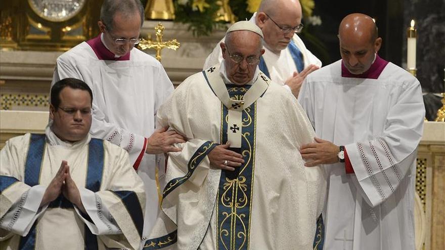 El papa reclama una participación más activa de los laicos en la Iglesia
