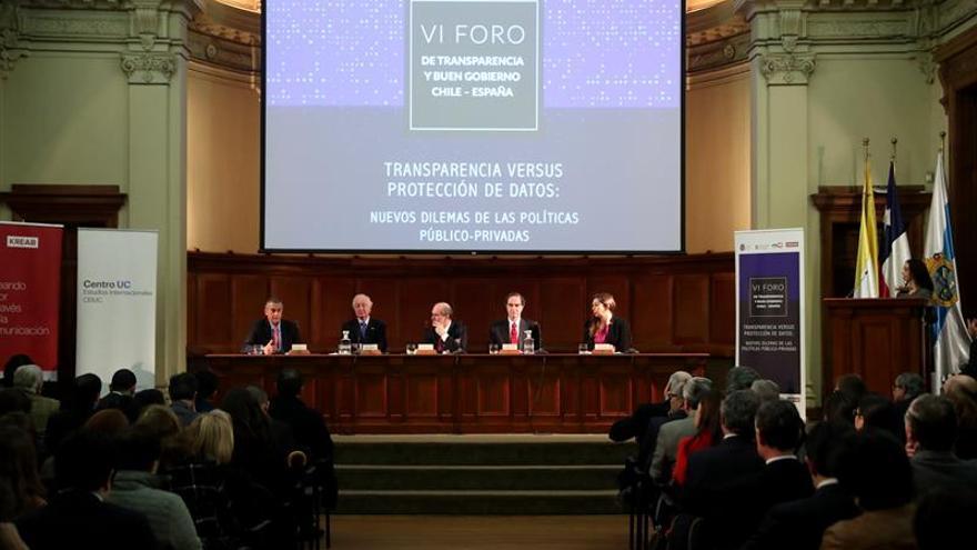 Chile y España comparten experiencias en transparencia y protección de datos