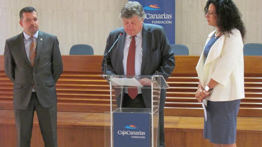 En la imagen, Juan José Cabrera, Alberto Delgado y Nieves Rosa Arroyo, en el acto inaugural.
