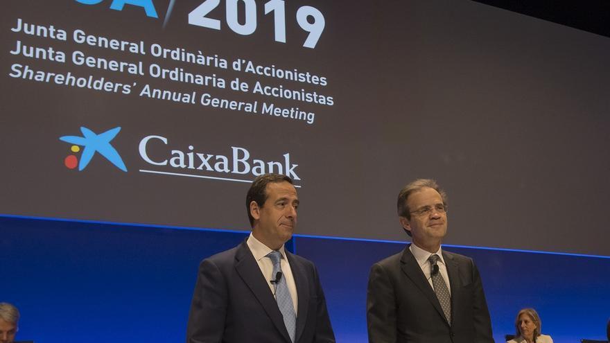 CaixaBank adelanta en un año el objetivo de reducción de oficinas