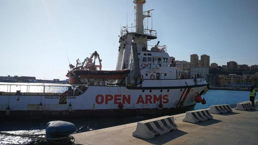 """Italia inmoviliza por """"anomalías"""" el barco de rescate de inmigrantes Open Arms"""