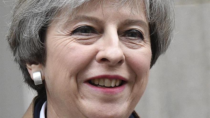 """May dice a Picardo que """"trabajará con Gibraltar"""" para el mejor """"brexit"""""""