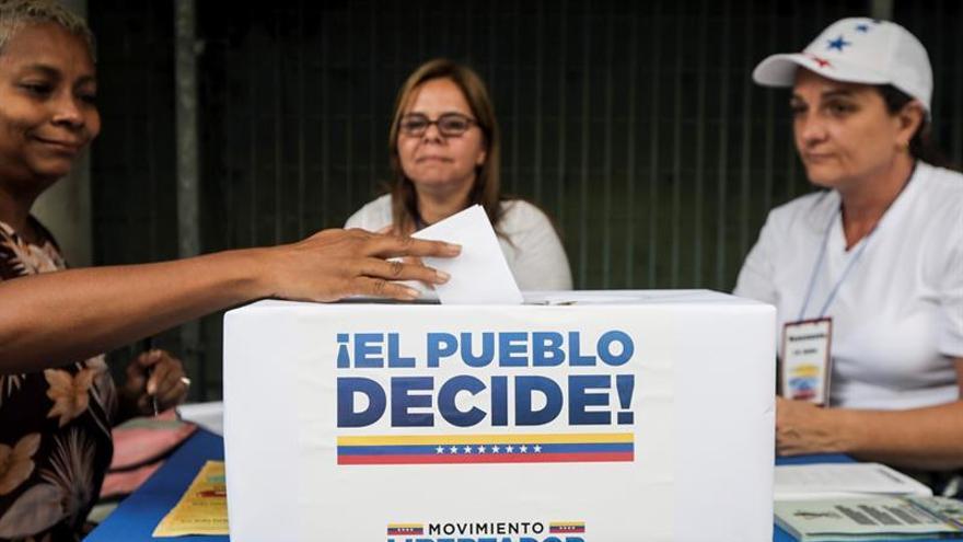 El código QR, el sistema que controla los votos de Maduro