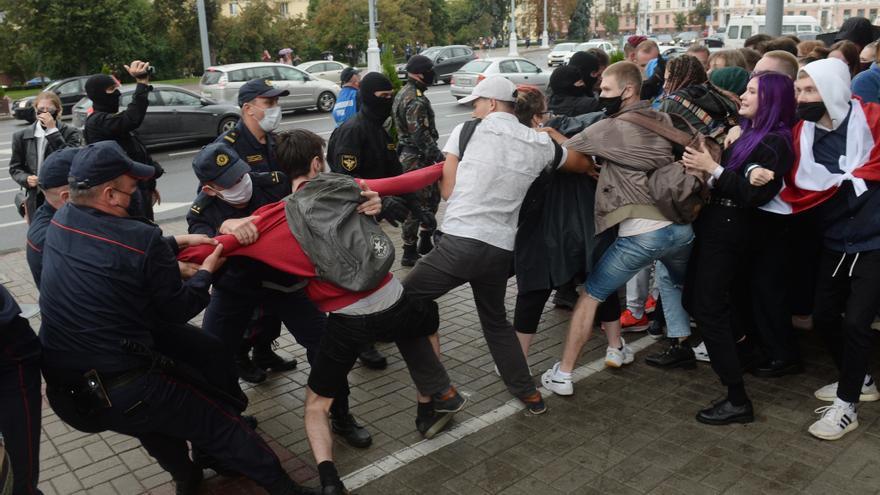Al menos once detenidos en una marcha estudiantil en el centro de Minsk