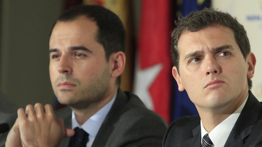 Rivera reitera que quiere por escrito la dimisión de Chaves para que pueda comenzar la legislatura en Andalucía