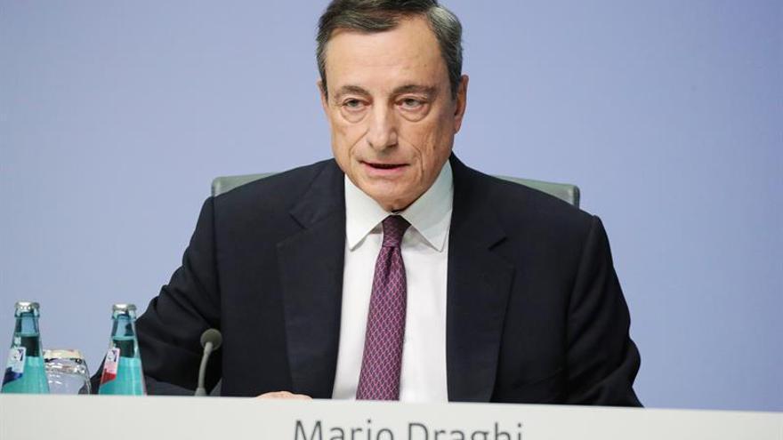 Draghi: los bancos con muchos préstamos problemáticos prestan menos