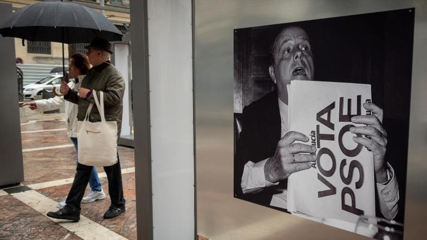 Una muestra con obras de 50 autores recorre los últimos 80 años de la fotografía española