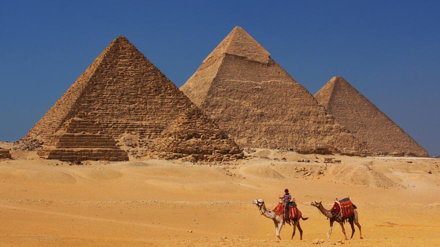 Típica imagen de las pirámides de Egipto.