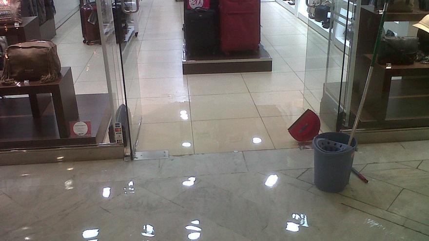 Inundación del Centro Comercial Las Arenas