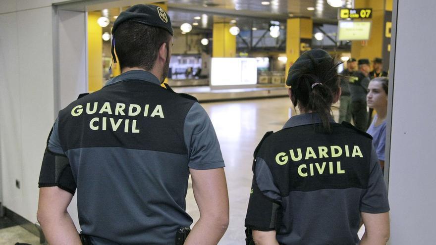 Interior refuerza la plantilla de la Guardia Civil en el Aeropuerto de El Prat hasta que acabe la huelga