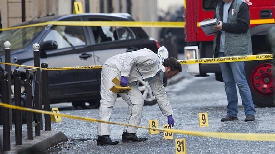 Un atentado con un paquete bomba causa un herido en la sede del FMI en París