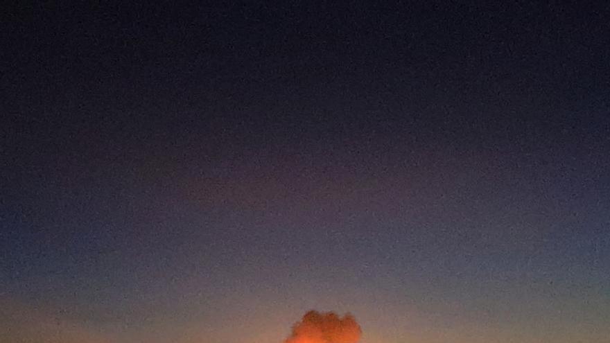 https://m.eldiario.es/fotos/incendio-generado-explosion-visto-toda_EDIIMA20200114_0975_19.jpg