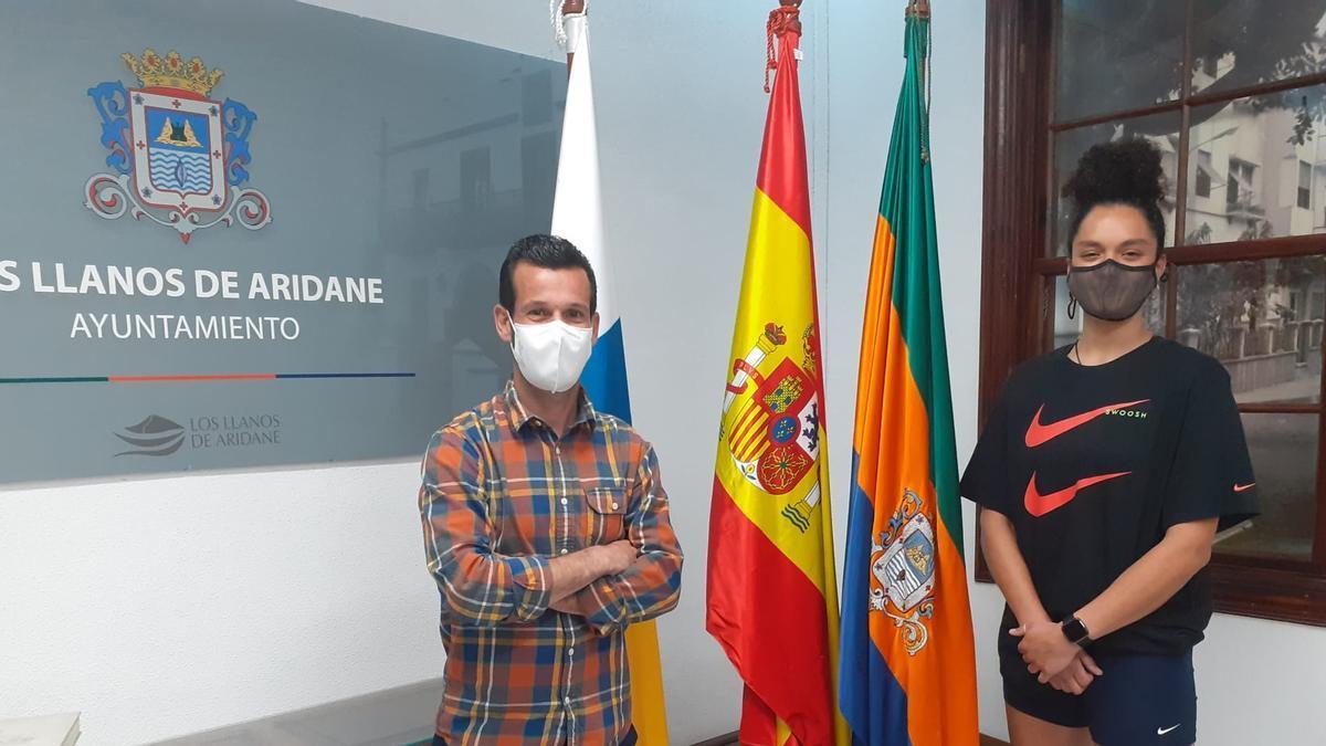 Víctor González  y Rossana Simón.