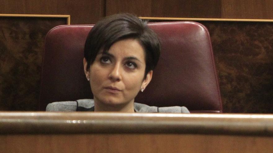 """El PSOE muestra al Congreso la foto de Bárcenas, Rajoy y el arquitecto acusado de delito fiscal: """"No pueden renegar"""""""