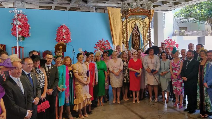 Las autoridades asistentes a la función religiosa.