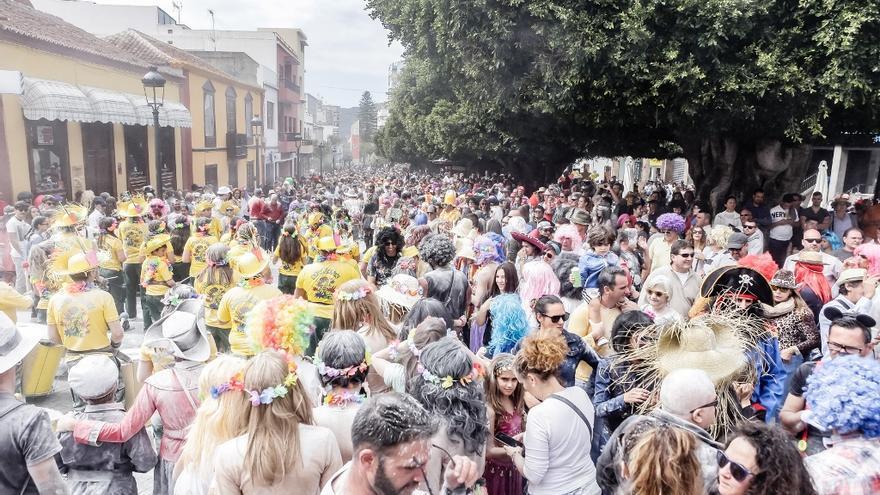 La Gran Polvacera congregó este sábado a miles de personas.