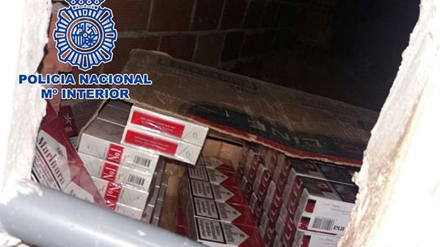 El zulo encontrado con el tabaco de contrabando.