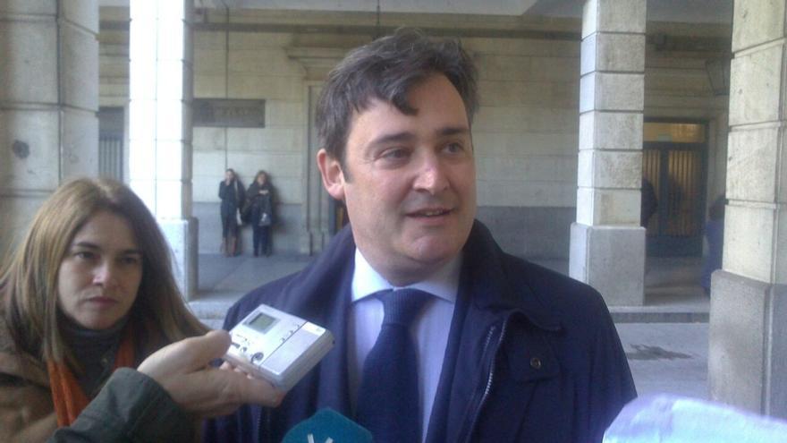 """Eloy Carmona asegura que en el Ayuntamiento de Tomares """"nadie se ha llevado ni un céntimo de euro"""""""