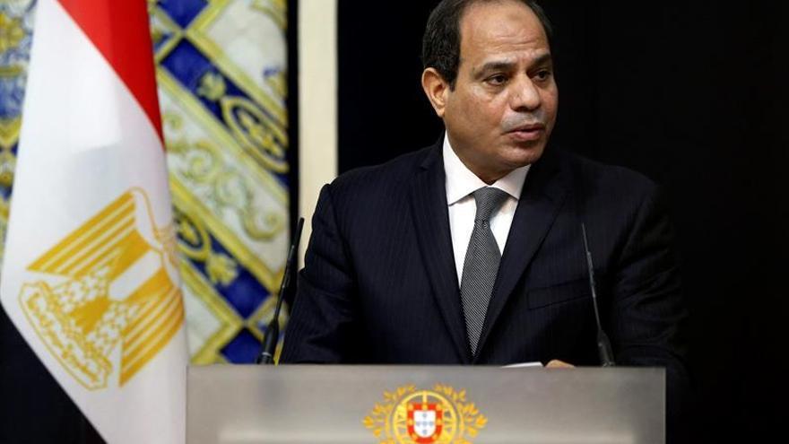 Al Sisi promete a Abás que discutirá la cuestión palestina con Trump