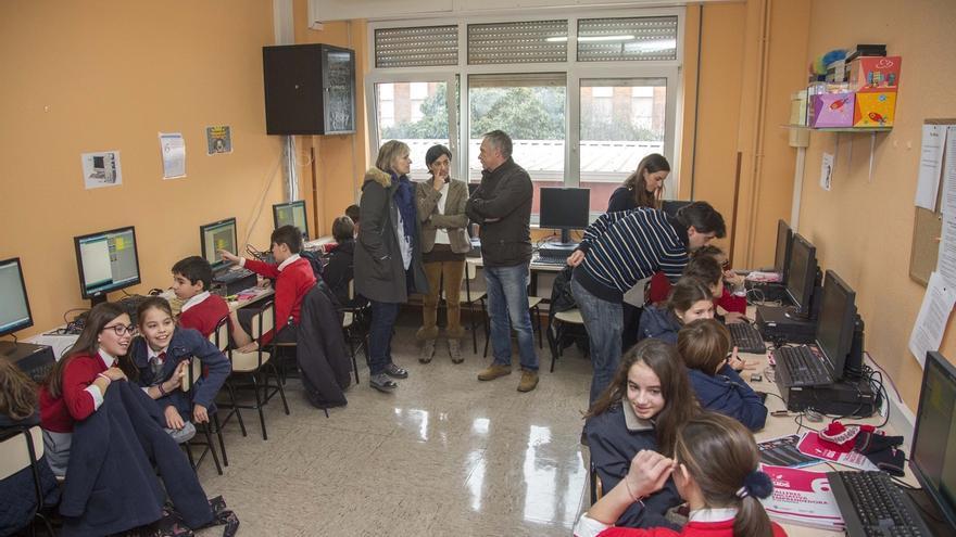 Un total de 450 estudiantes de Primaria aprenden sus primeras nociones sobre emprendimiento