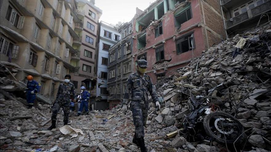 La ONG Educo reparte alimentos a 2.600 familias damnificadas del Nepal