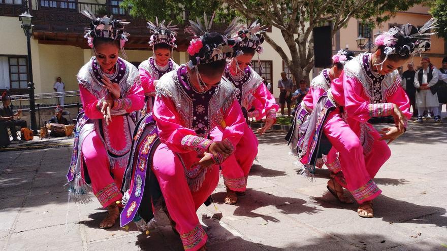 Actuación este viernes de la formación Ayodya Pala, de Yakarta, en la plaza del Ayuntamiento