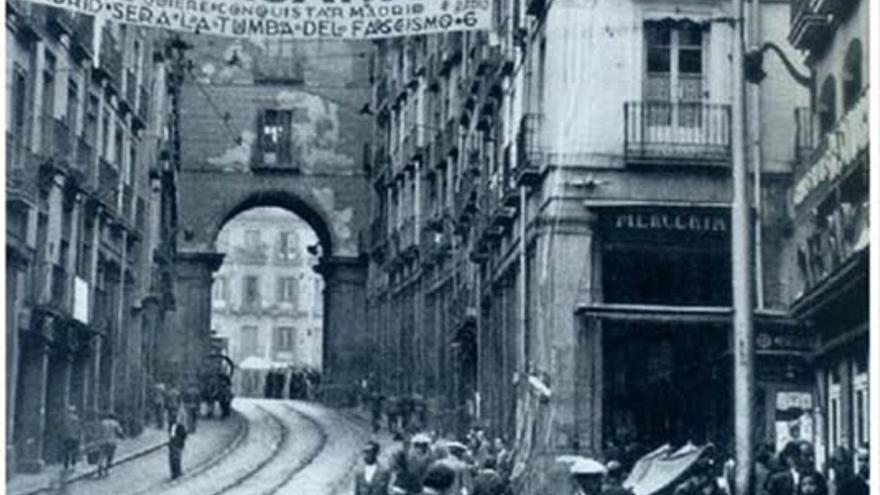 La calle Toledo de Madrid durante la Guerra Civil Foto: Recuerdos de Pandora / Flickr