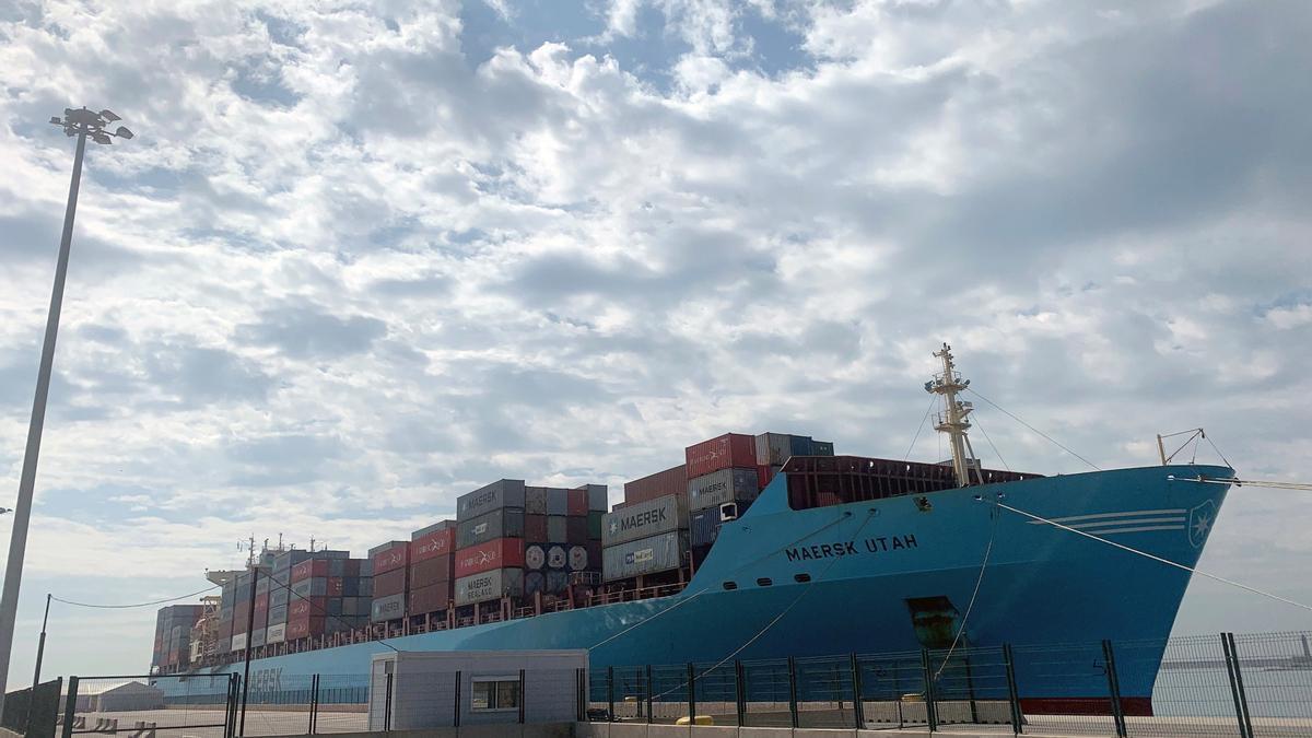 Han dado positivo en coronavirus siete tripulantes del barco 'Skiathos I', de la naviera Marfret, y seis marineros del 'Maersk UTAH', (en la imagen) de la compañía Maersk. EFE/ Raquel Segura