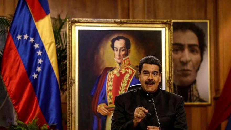 """Maduro dice que los venezolanos elegirán el 30 de julio """"entre la paz y la guerra"""""""
