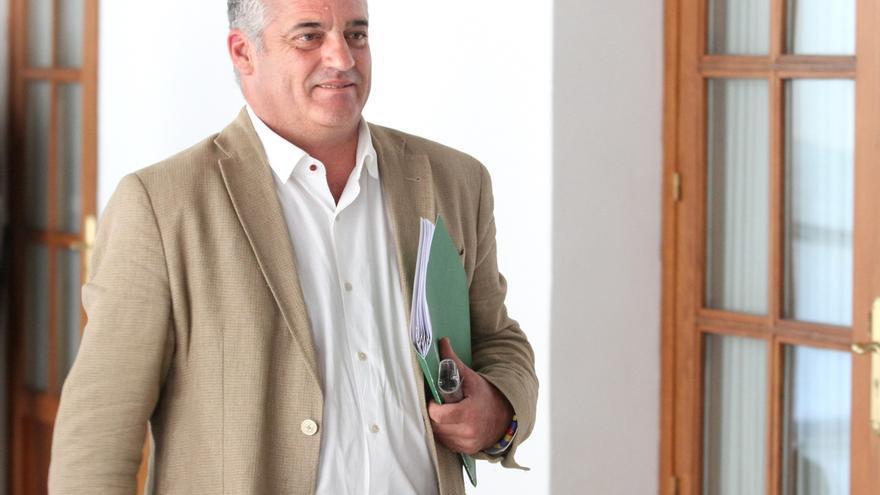 Carnero asegura que no ha ocultado información sobre la Faffe y la oposición pide que deje el cargo