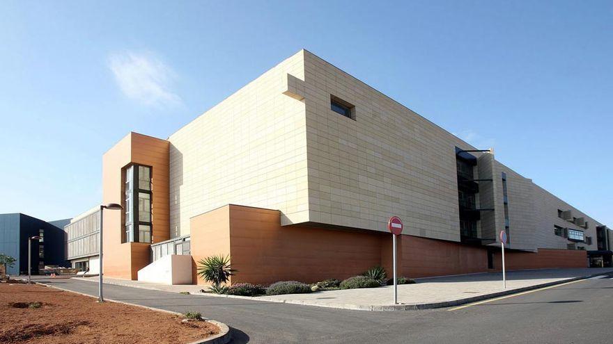 Activado el plan de contingencia en el Hospital de Fuerteventura por el aumento de ingresos por COVID-19