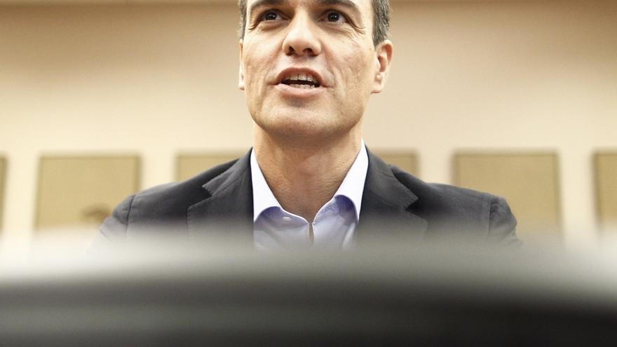 """Pedro Sánchez ve """"insuficiente"""" acoger a 15.000 refugiados y acusa al PP de hacer un discurso de """"ultraderecha"""""""