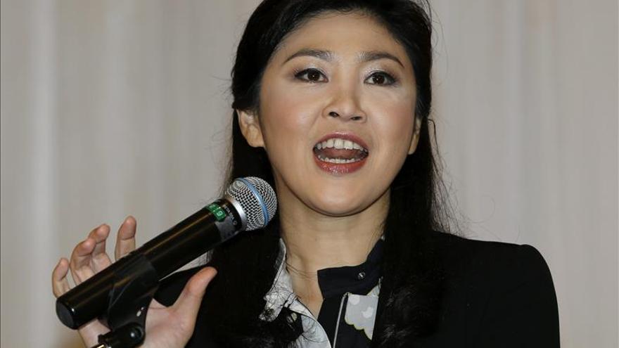 Amenazan con prohibir salir del país a la ex primera ministra de Tailandia