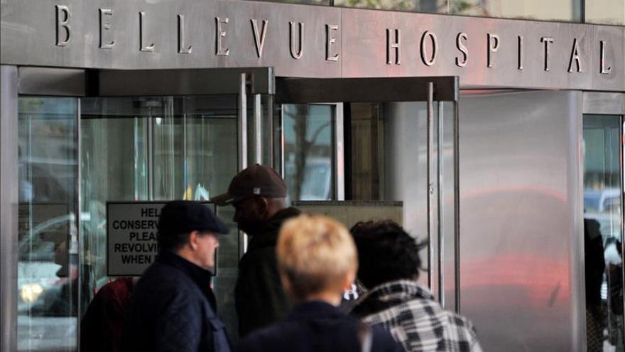 Médico ingresado en Nueva York da positivo por ébola en los análisis preliminares
