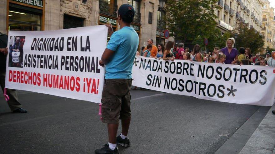 """""""Nada sobre nosotros sin nosotros"""", marcha en defensa de la vida independiente — Fuente: OVI Barcelona"""