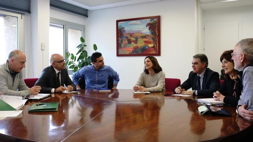 Artolazabal se reúne con la asociación EHLABE de entidades de empleo especial