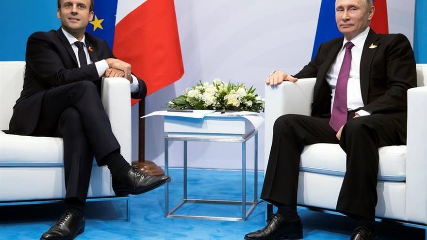 Macron pide a Putin usar toda su influencia sobre el régimen de Damasco