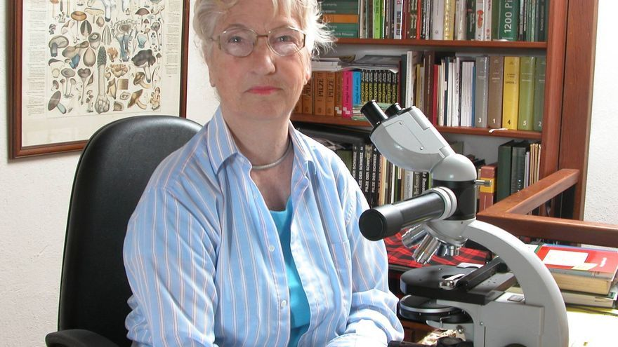 La micóloga Rose Marie Däncke ha descubierto 35 especies para la ciencia.