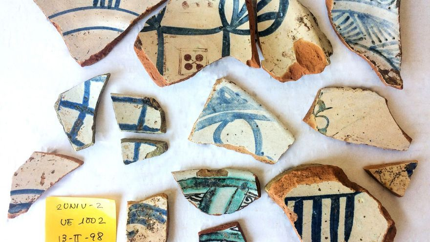 Algunos de los fragmentos hallados en el subsuelo de la Nau de la Universitat de València