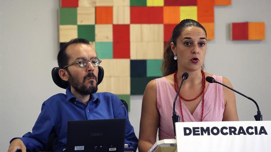 """Podemos pide a Rajoy que """"se vaya"""" por ser """"el comandante"""" de la represión"""