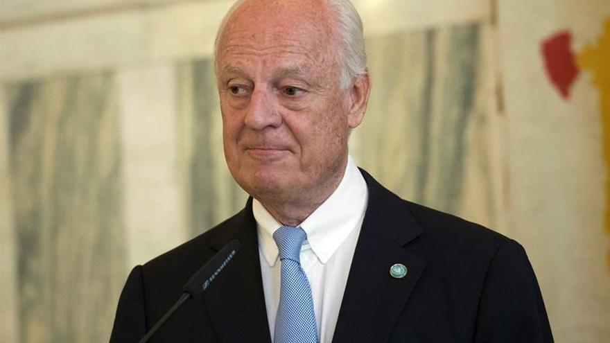 De Mistura planea reanudar en agosto las conversaciones de paz sobre Siria