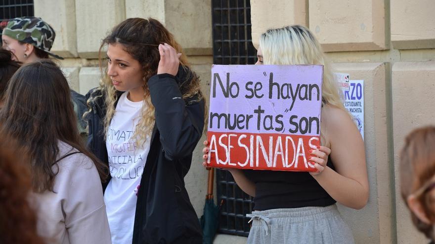Concentración estudiantil. Huelga Feminista 8M Murcia (03)