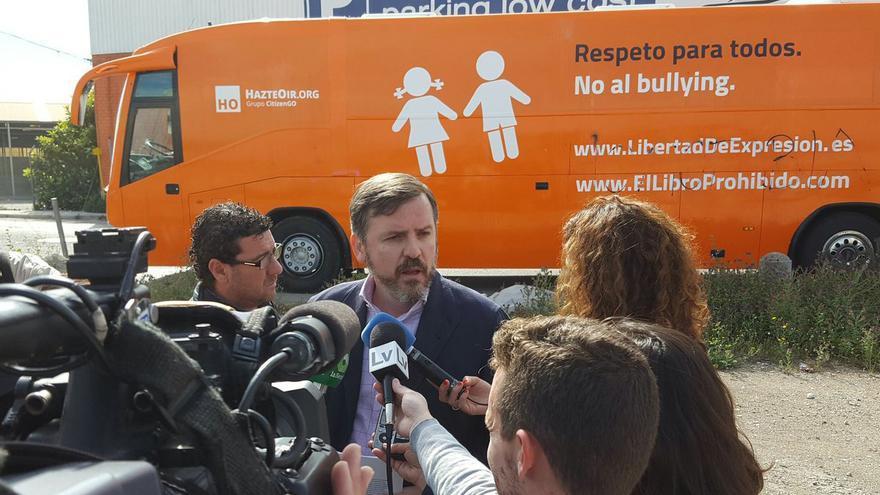 Ignacio Arsuaga, presidente de Hazte Oír, atiende a los medios en Valencia