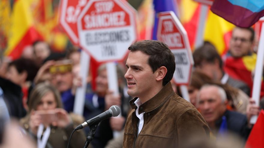 El líder de Ciudadanos, Albert Rivera, en la concentración en Colón.