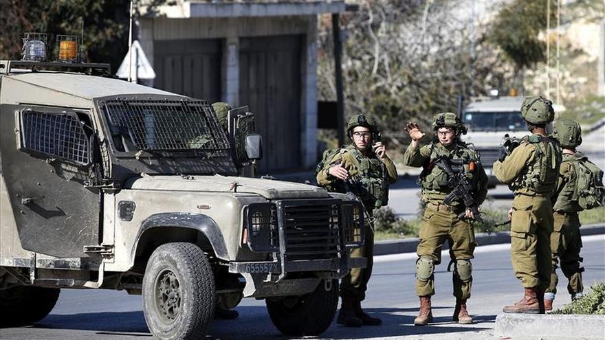 Un palestino muerto por disparos tras herir a un soldado israelí en Cisjordania