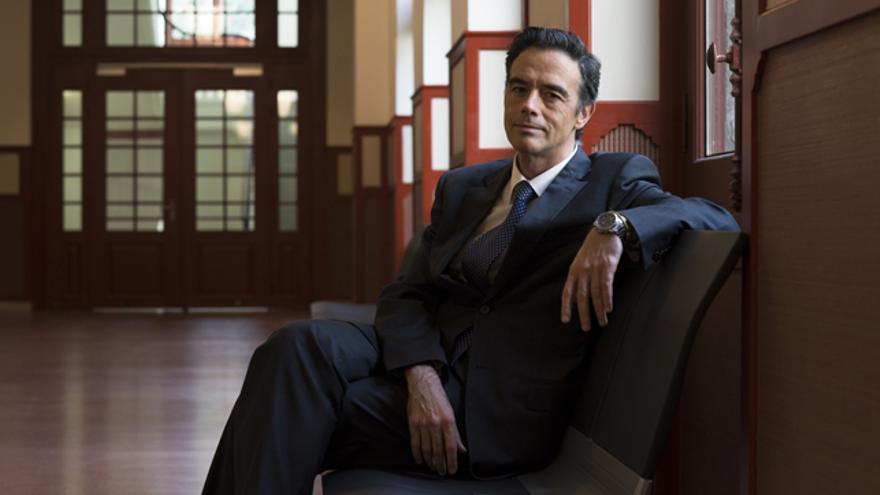 Guillermo Dorronsoro en los pasillos de la Deusto Business School. /Txetxu Berruezo