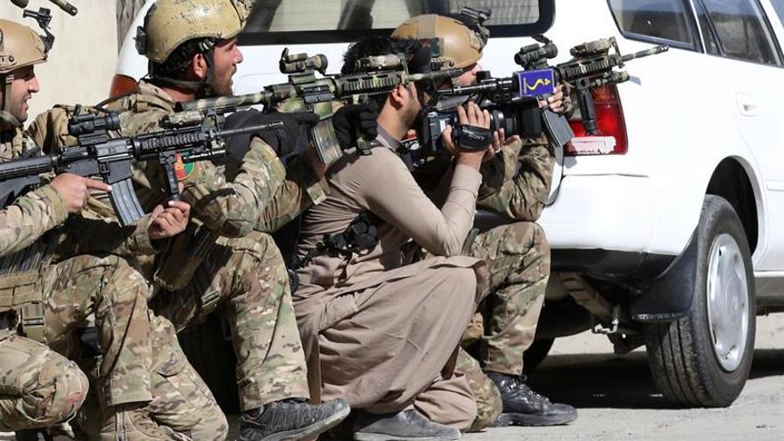 Los insurgentes atacan un hotel de lujo en Kabul