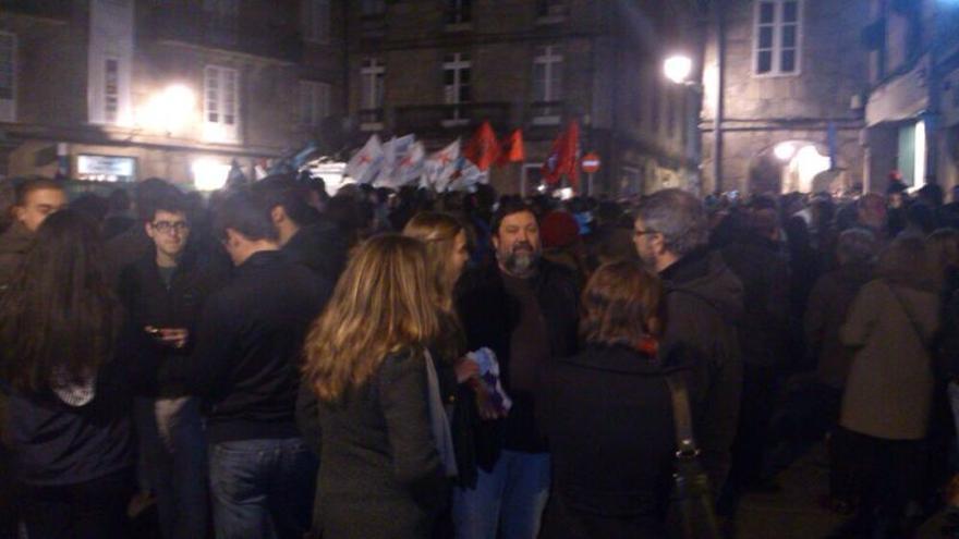 El exministro socialista de Justicia Francisco Caamaño ha participado en la manifestación de Santiago